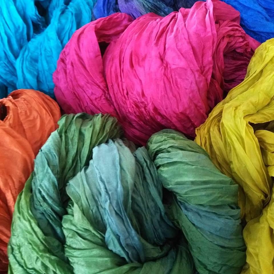 Silkkihuivit käsinmaalatut