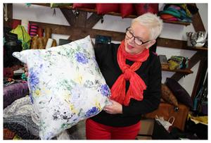 Tekstiilitaiteilija Marianne Uusitalo
