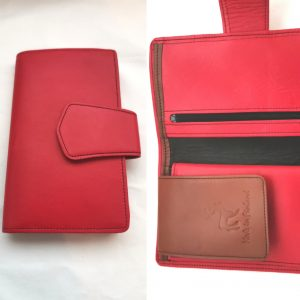 Punainen iso lompakko